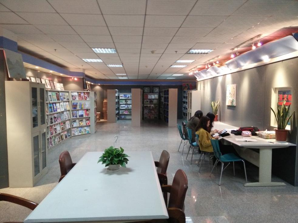 武汉理工大学图书馆艺术与设计学院图书分馆